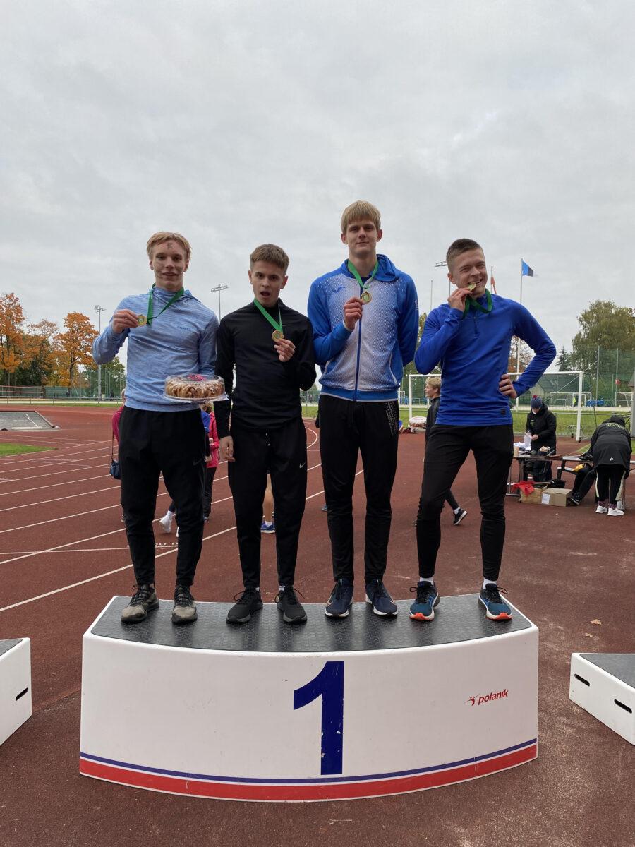Rasmus Randoja (10.e), Karl-Markus Purason (11.d) , Varmo Pärnpuu (11.a),  Orm Leopold Lukas (11.a)